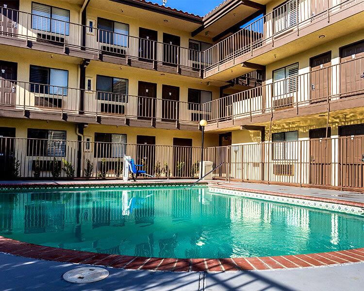 Seasonal Outdoor Pool In Hillstone Inn Tulare California