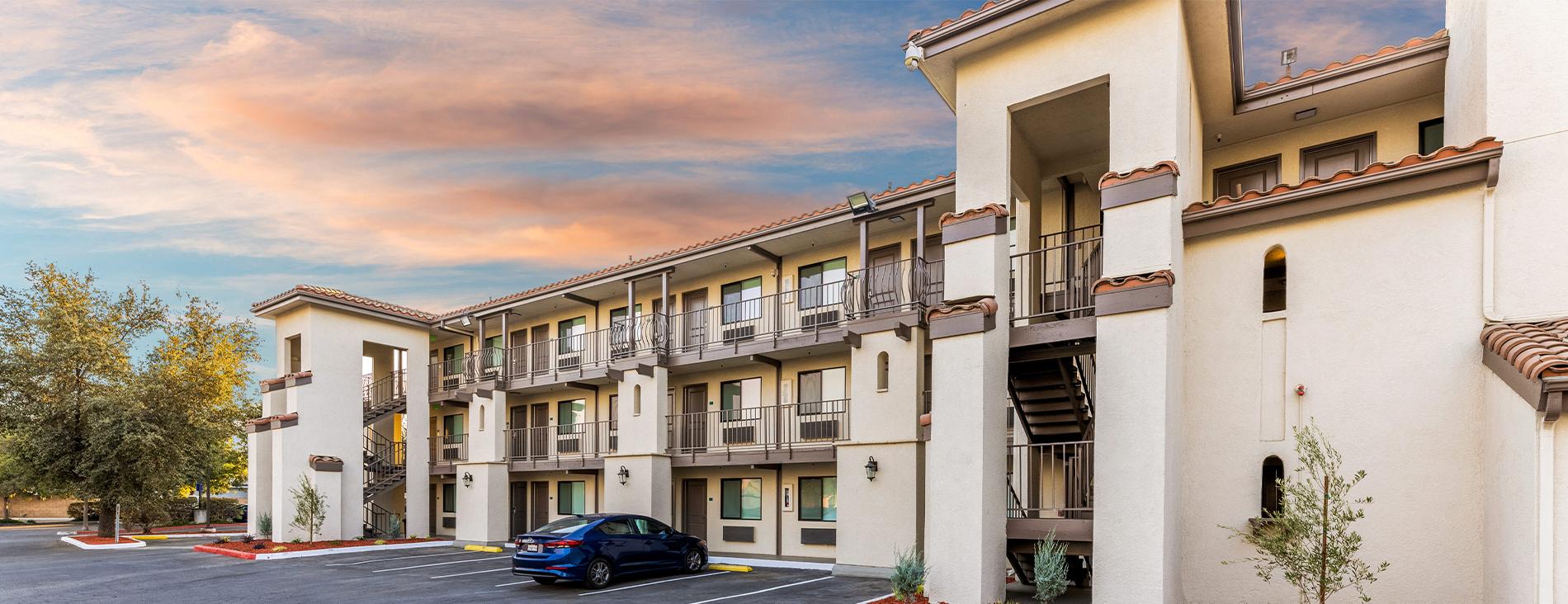 Hillstone Inn Tulare California